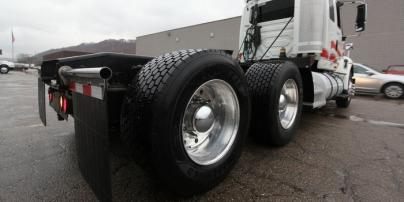 10 Ways to Slow Commercial TruckTire Wear and Tear